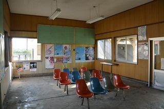 国縫駅待合室