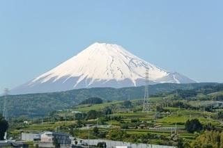 新幹線車中から望む富士山2