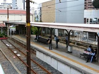 南海汐見橋駅のホーム