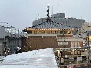 奈良市総合観光案内所(正面左側面)