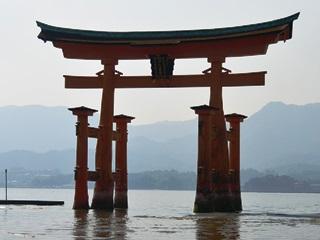 厳島神社鳥居2