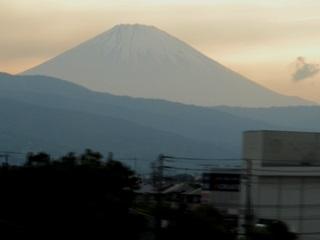 小田原市鴨宮付近からの赤富士