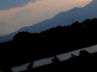 相模川河川敷からの富士山