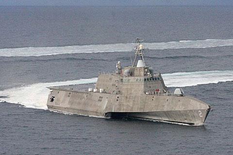 沿海域戦闘艦フリーダム(上)とインディペンデンス(下)(米海軍HP) 米海軍佐世保基地に新たに沿